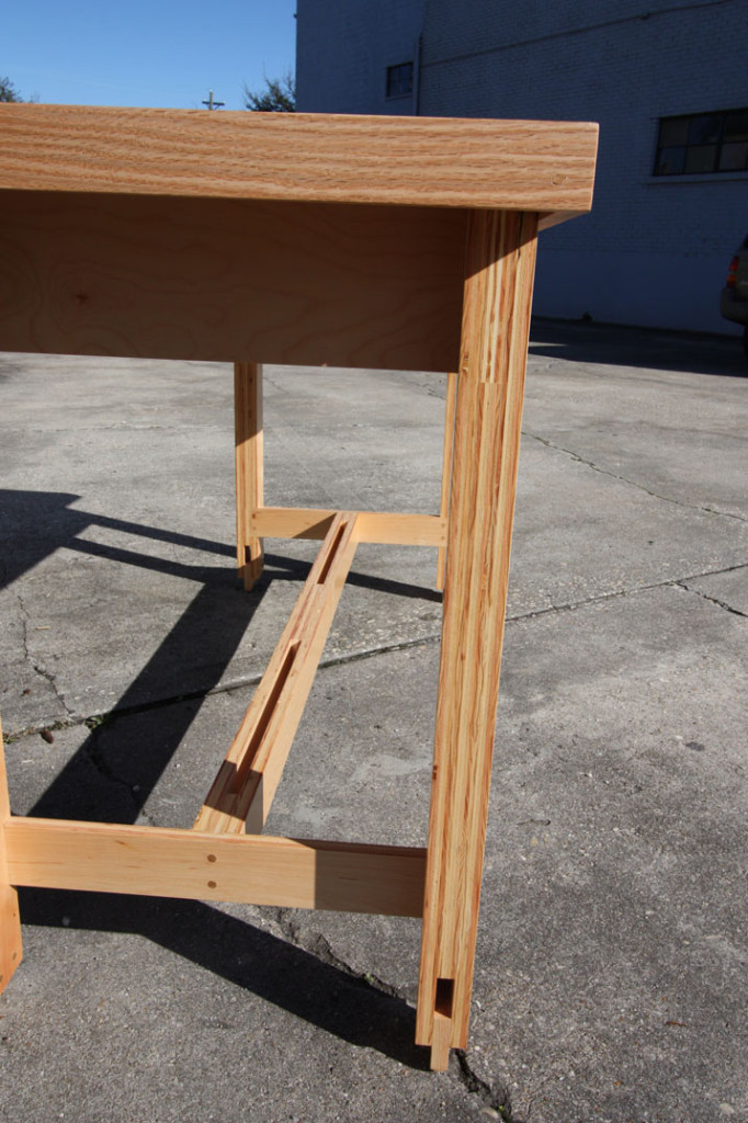 customplywoodtabledetail